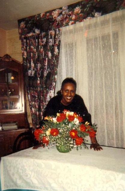 Mockey Edwige Jacqueline, née le 28 Juillet 1946 à Abidjan, Cadre de Banque (Fondé de  Pouvoir à la SGBCI) est décédé le 10 Décembre 1993 à la Polyclinique Internationale Sainte Anne Marie de Cocody à Abidjan en Côte d'Ivoire