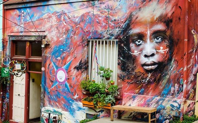La peinture murale témoigne des préoccupations de chaque époque, art public ou privé, laïque ou religieux.