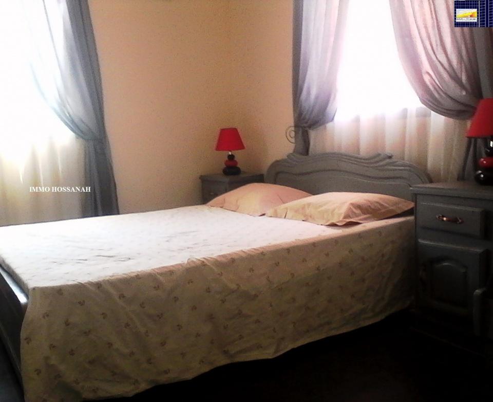 Bienvenue sur votre CHRISTIAN GROUP HOSSANAH , nous vous invitons à visiter notre Site Web :www.group.hossanah.com<br /><br />STUDIO CONFORT MEUBLE A LOUER A AMPEFILOHA Réf:LSM3074456<br />Studio confort meuble avec connexion Wifi, au 1er etage d'un immeuble ,accessible en voiture, parking, sécurisée,comprenant :<br />_Une chambre avec un lit deux places, TV,Etagère et une table de bureau ,coin salon<br /><br />_Une cuisine équipée avec frigo et four à gaz…<br />_Une salle d'eau avec eau chaude et toilette<br />- Eau, électricité et wifi sont inclus dans le prix<br />Loyer par mois en Ariary : 1000 000<br />IMMO HOSSANAH - Agence Immobilière<br />_Honoraire d'agence : (-)1.5 mois 25%25 ,(+)1.5 mois 75%25 du loyer mensuel, payable au comptant à la signature du bail<br />Telephone: 00 26133 91 834 98<br />Email :immohossanah@gmail.com<br />Site Web :www.group.hossanah.com<br />Facebook :IMMO HOSSANAH