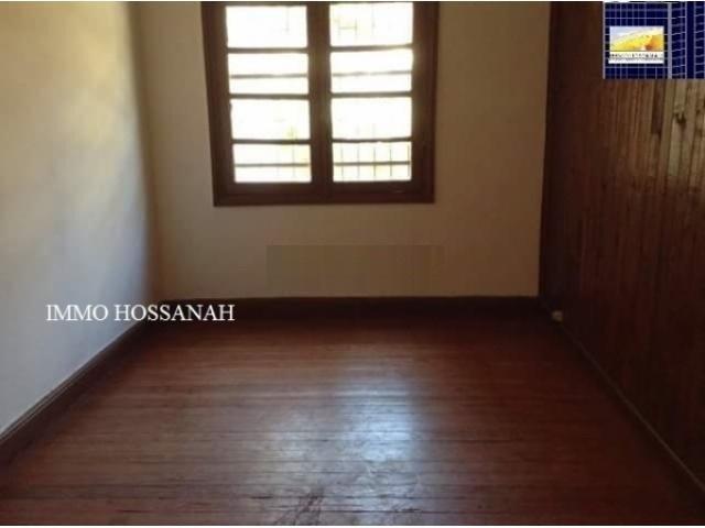 Bienvenue sur votre CHRISTIAN GROUP HOSSANAH , nous vous invitons à visiter notre Site Web :www.group.hossanah.com<br />APPARTEMENT A LOUER A ANALAKELY Réf:LAM 301010100<br />Un appartement au 1er étage, sécurisé, comprenant :<br />_Deux chambres<br />_Une salle d'eau<br />_Une toilette<br />- Compteur Eau et électricité indépendant<br />Loyer par mois en ARIARY :500 000<br />IMMO HOSSANAH - Agence Immobilière<br />_Droit première visite : 10 000Ar Après la première visite seront gratuites<br />_Honoraire d'agence : 75%25 du loyer mensuel, payable au comptant à la signature du bail<br />Telephone: + 26133 91 834 98<br />Email: immohossanah@gmail.com<br />Site Web : www.group.hossaanah.com<br />Facebook:IMMO HOSSANAH<br />Adresse:V24 Alasora Antananarivo Madagascar