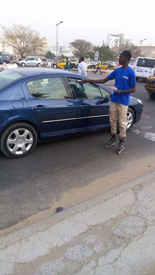 Pour la distribution de vos flyers dans les rues de Dakar contactez notre équipe de Roller sur le 77 485 21 22